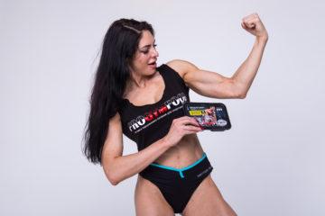 Зачем женщине качать мышцы?